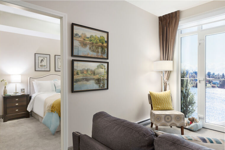 Model suite Amica On the Gorge senior retirement residence.