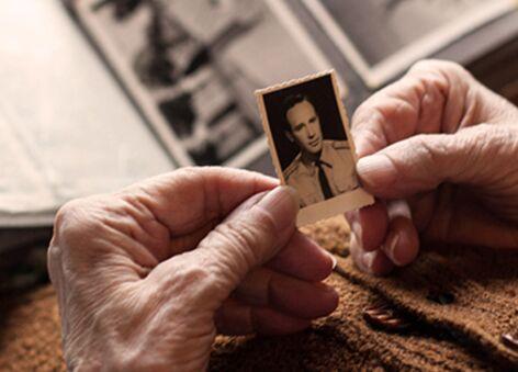 Amica Senior Lifestyles | Memory Care guide for Seniors