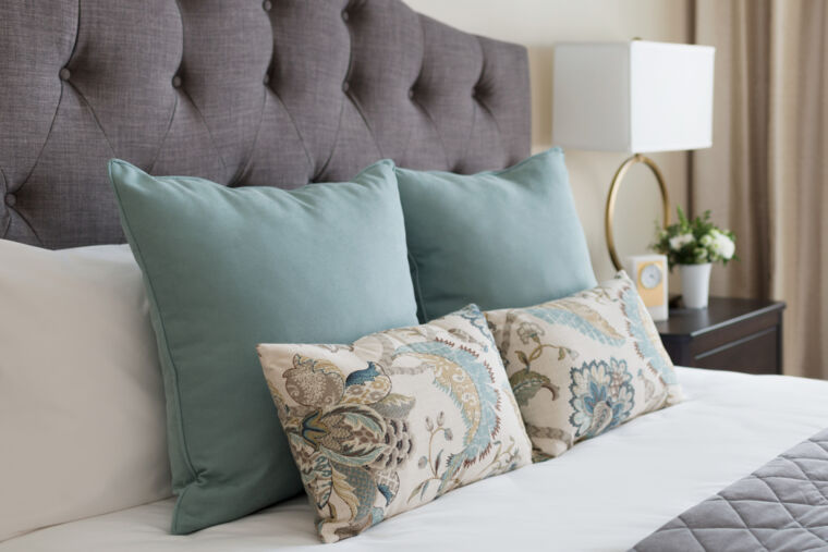 Amica White Rock Independent Living Suite, bedding