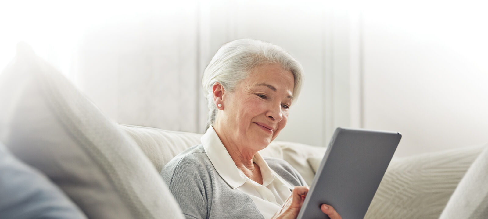 Resident using the Amica App