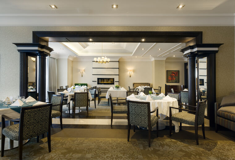 On the Avenue Dining room