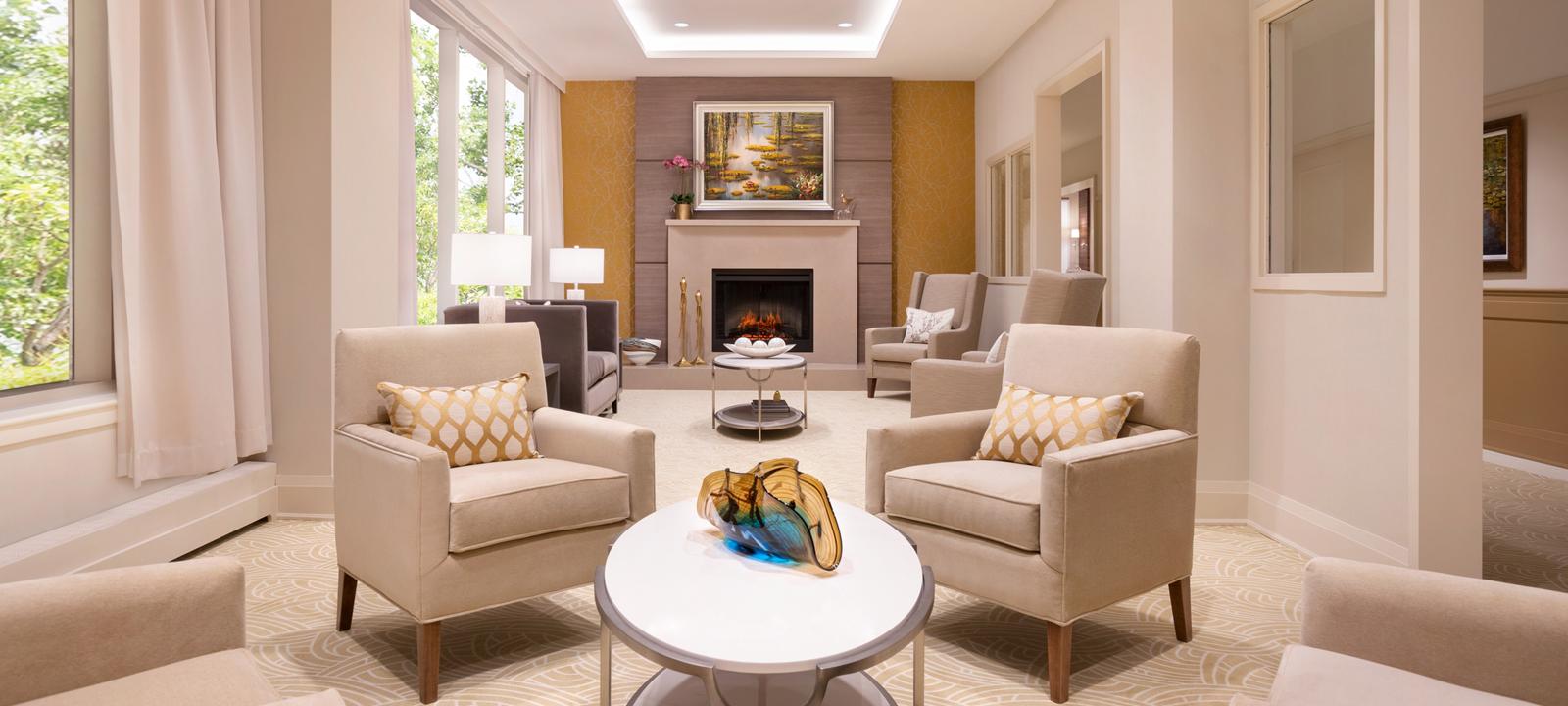 Amica Swan Lake - Fireplace Lounge